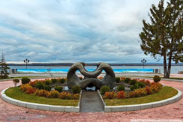 Памятник Колыбель человечества