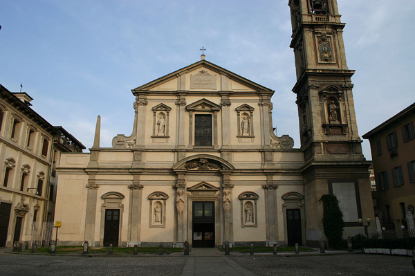 Церковь Санто-Стефано-Маджоре (Basilica Santo Stefano Maggiore)