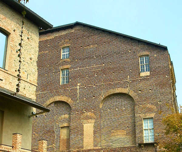Замок ди Риволи