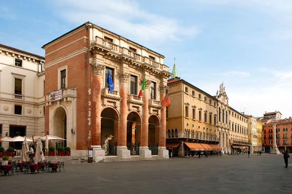 Палаццо Капитанио (Palazzo del Capitanio)