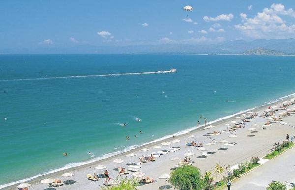 Пляж Калис