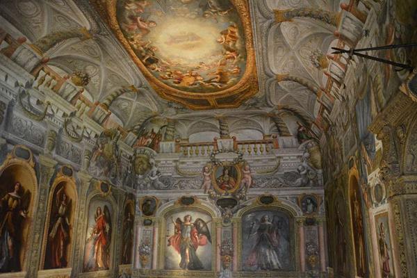 Монастырь-музей Las Descalzas (Monasterio-museo «Las Descalzas»)