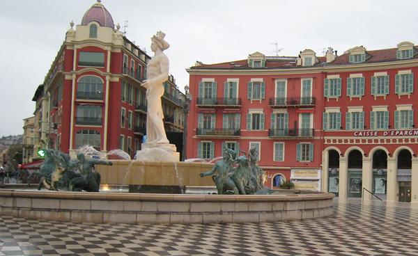 Площадь Массена (La Place Massena)