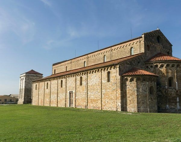 Базилика Сан-Пьеро Градо