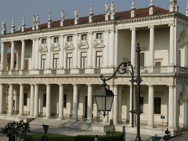 Палаццо Кьерикати (Palazzo Chiericati)