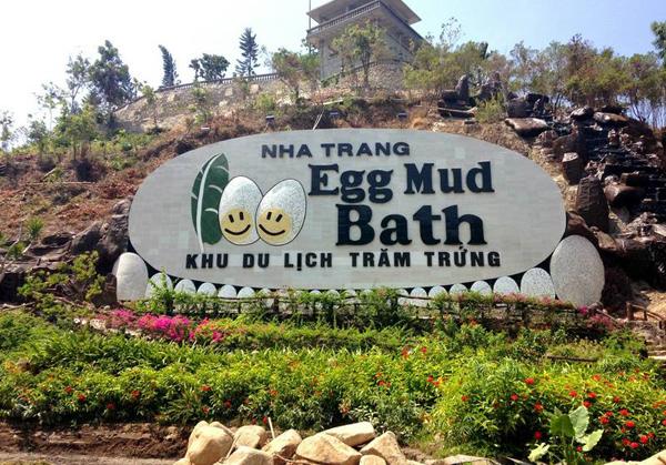 Тематический парк «100 яиц» (Tram Trung 100 Egg Theme park)