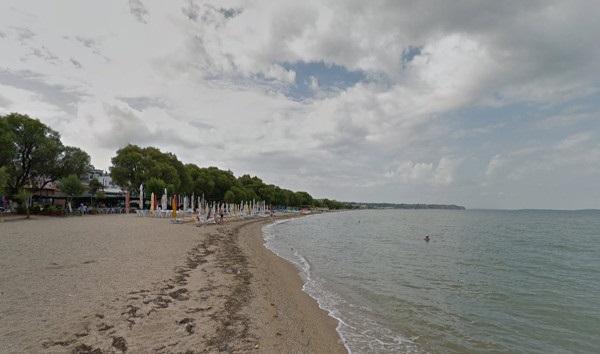 пляж Неи Эпиватес
