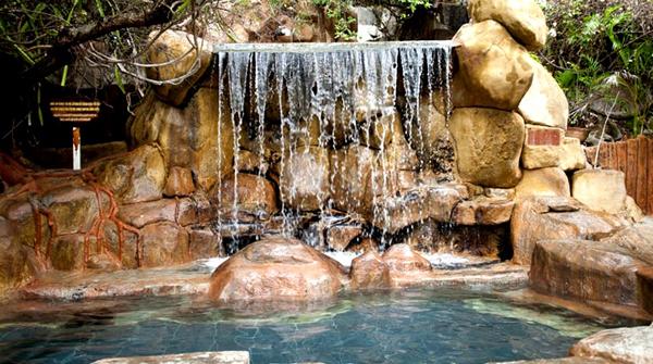 Горячие минеральные источники Тхап Ба (Thap Ba hot mineral water springs)