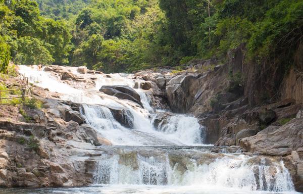 Водопад Янг Бэй (Yang Bay)