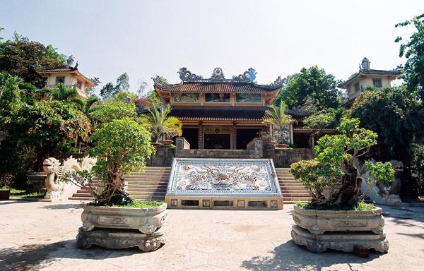 Пагода Лонг Шон (Chua Long Son)