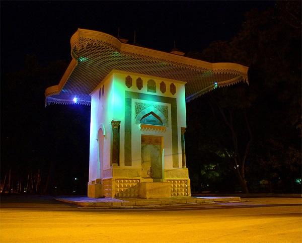 http://jalita.com/guidebook/feodosia/images/fontain_aivazovskiy_lg.jpg