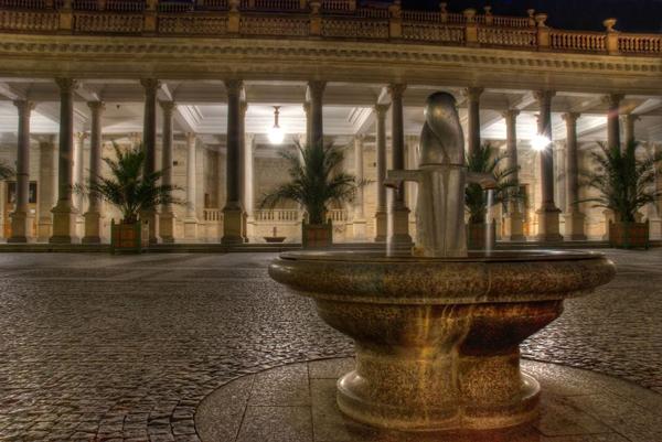 Мельничная (Млынская) колоннада (Mlýnské kolonáda)