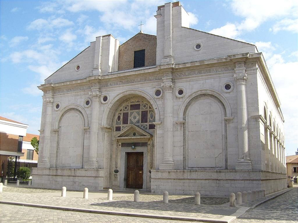 Храм-мавзолей Малатеста (Tempio Malatestiano)