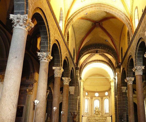 Церковь Санта Мария ди Кастелло