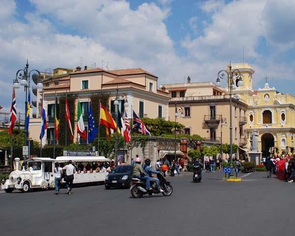 Площадь Торквато Тассо