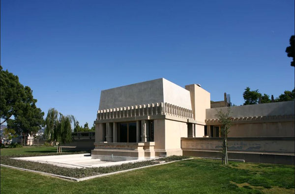 Дом Мальвы (Hollyhock House)