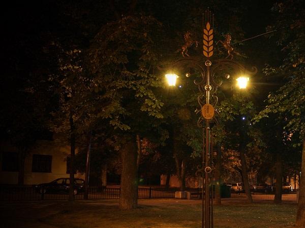 Аллея кованых фонарей