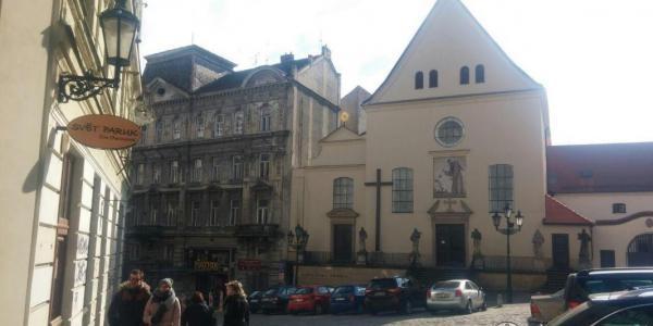 Костел Обретения св. Креста и монастырь капуцинов