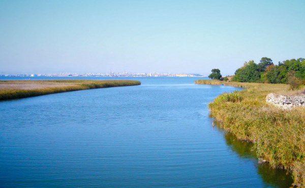 Мадренское озеро (Мандра)