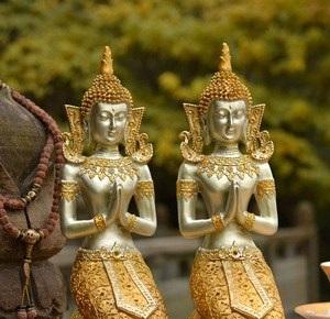 Статуэтки в виде слонов, лягушек или Будды.
