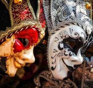 Венецианская карнавальная маска.
