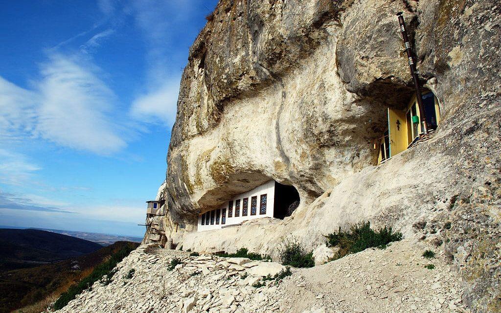 Свято-благовещенский мужской монастырь в Бахчисарае